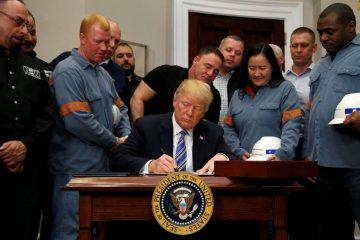 Tổng thống Trump ký lệnh đánh thuế thép và nhôm nhập khẩu